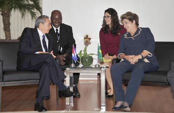Se reúnen Raúl y la Presidenta de Brasil