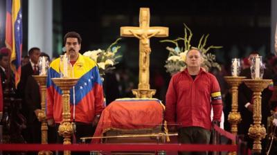 Simbólica juramentación ante restos del Presidente Chávez